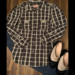 Juicy Couture princess sleeve plaid fitted shirt